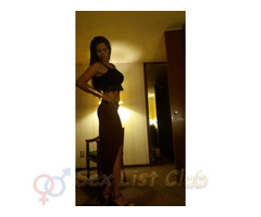 Atractiva chica colombiana dispuesta a coger como más te gusta